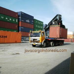 container yard - semarang port www.javacargoindonesia.com