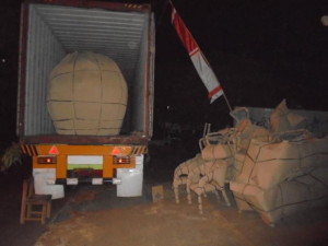 NIGHT ;OADING FROM JEPARA TO QATAR CREDIT TO : MR FURNITURE DESIGN
